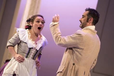 Beatriz Díaz y Enric Martínez-Castignani. © 2018 by Daniel Pérez / Teatro Cervantes.